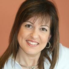 7 Η σχεδιάστριά και διακοσμήτρια Ελίνα Σαλιβέρου.