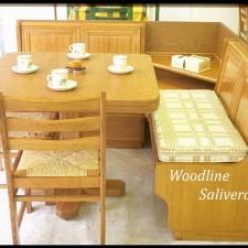Καθιστικό Kasetina με αφράτα μαξιλάρια στο κάθισμα.